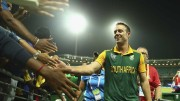 ABD-shaking-hands-with-the-fans